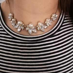 Jewelry - Faux pearl necklace with white stone accents